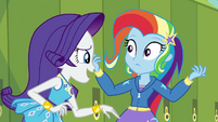 Rarity interrupting Trixie EGDS12b