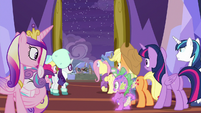Twilight and company see Rainbow and Discord MLPBGE