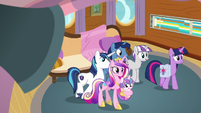 Twilight and her family leaving their cabin S7E22
