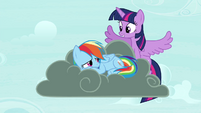 Twilight flies up S4E21
