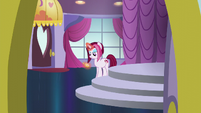 Fashionable Pony looking at pocketwatch S5E14