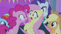 Pinkie Pie -The screaming fans-!- S4E14