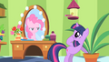 Pinkie Pie observes Twilight from the mirror S1E20.png