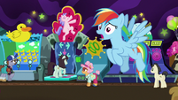 Rainbow Dash calls out to Apple Rose S8E5