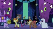S2E04 Ponies dancing