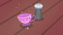 Salt shaker turns into a teacup S7E2