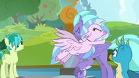 Silverstream hugging Seaspray S8E2