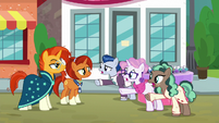 Sleek and Bookstore ponies have a friendship problem S8E8