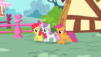 The Cutie Mark Crusaders running S01E17