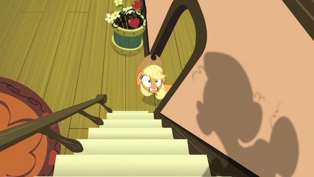 File:Applejack hears Granny Smith coming S7E13.png