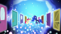 Dream doors appear around Apple Bloom and Luna S5E4