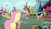 Pipsqueak in the background S2E19