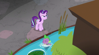 Spike pops out of Discord's office pond S8E15