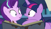 "Twilight Sparkle ""you can read that?!"" S7E25"