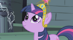 Twilight smiling at Celestia S1E02