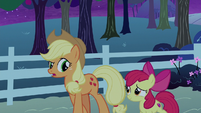 "Applejack ""even if all our traps are empty"" S9E10"