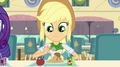 Applejack eating lunch EG2.png