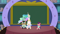 Celestia unable to grasp the acting lessons S8E7