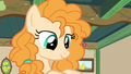 Pear Butter smiling at Bright Mac's letter S7E13.png