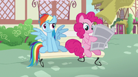 Pinkie Pie continues reading the newspaper S7E18