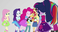 Pinkie Pie hugging Sunset Shimmer EGS3