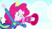 Pinkie Pie shouting -Blue!- SS4