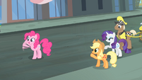 Rarity and friends waving their hooves S4E08
