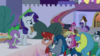 Rarity trying to reason with unicorns S9E17
