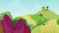 Red flag far away from Apple Bloom and Babs S3E08