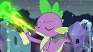 S06E02 Spike niszczy listę
