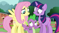 Spike interrupts Twilight and Fluttershy S3E05