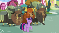 Twilight '-They're working hard to make your traditional Yakyakistan cake- S5E11