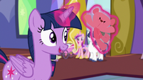 Twilight Sparkle barely paying attention S7E3