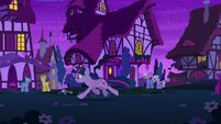 Twilight galloping through Ponyville at night S6E6