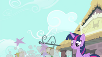 Twilight sees Rarity fall down S4E13