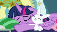 Angel hugging Twilight Sparkle S8E2