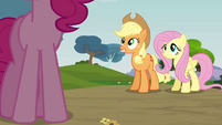 Applejack 'At Sweet Apple Acres' S3E3