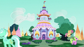 Carousel Boutique exterior midday S6E15.png