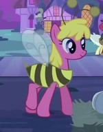 Cherry Berry in a bee costume S2E04