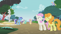 Ponies ignoring Fluttershy S1E7