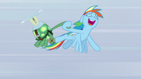 Rainbow flies while singing and holding Tank S5E5