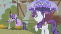 Rarity it's raining S01E03