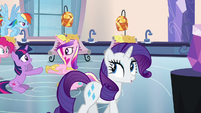 Rarity walking through the spa S03E12