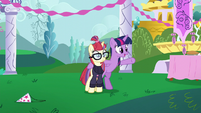 "Twilight ""make up for my mistake with a new party"" S5E12"
