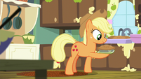Applejack holding an apple pie S6E10