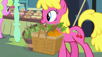 Cherry Berry carrying a basket of carrots S9E18