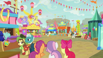 Cutie Mark Crusaders arrive to the County Fair S9E22