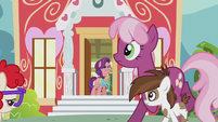 Ponies clear a path for Spoiled Rich S5E18
