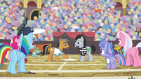 Quibble complaining to the referee S9E6