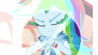 Rainbow Dash channels her geode power EGS2
